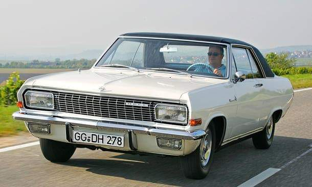 Opel-Diplomat-Coupe-with-V8-engine--1964-