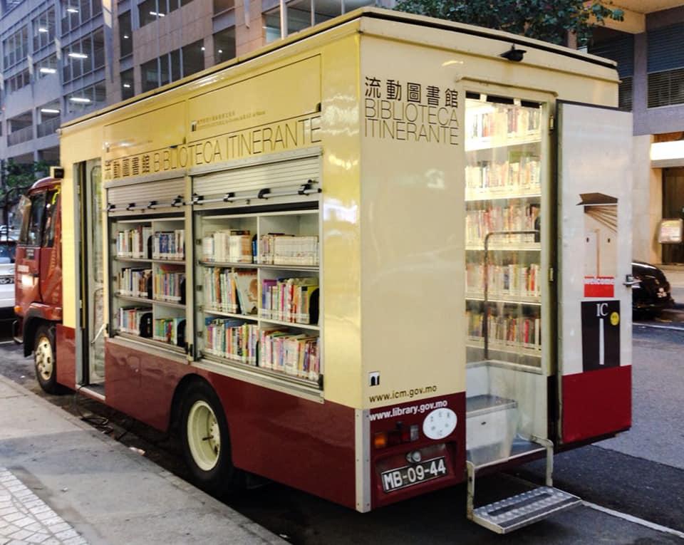 Book-Truck-2