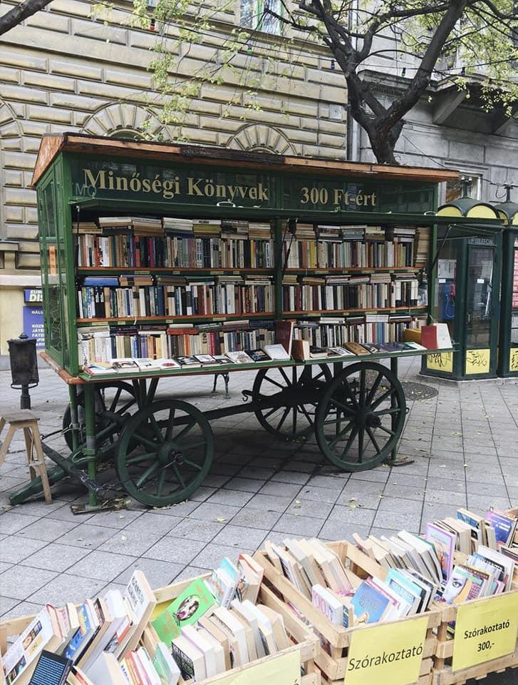 Book-Truck-3