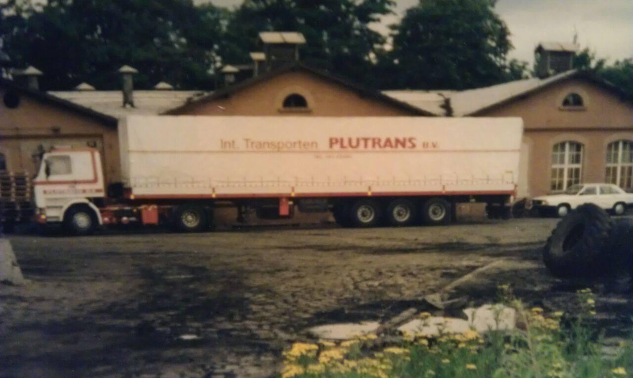 Jos-Pluijmakers-Scania-met-zeil-wagen