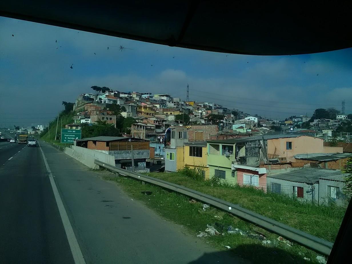 10-6-2019-Sao-Paulo-door-de-stad-op-weg-naar-Santos-12