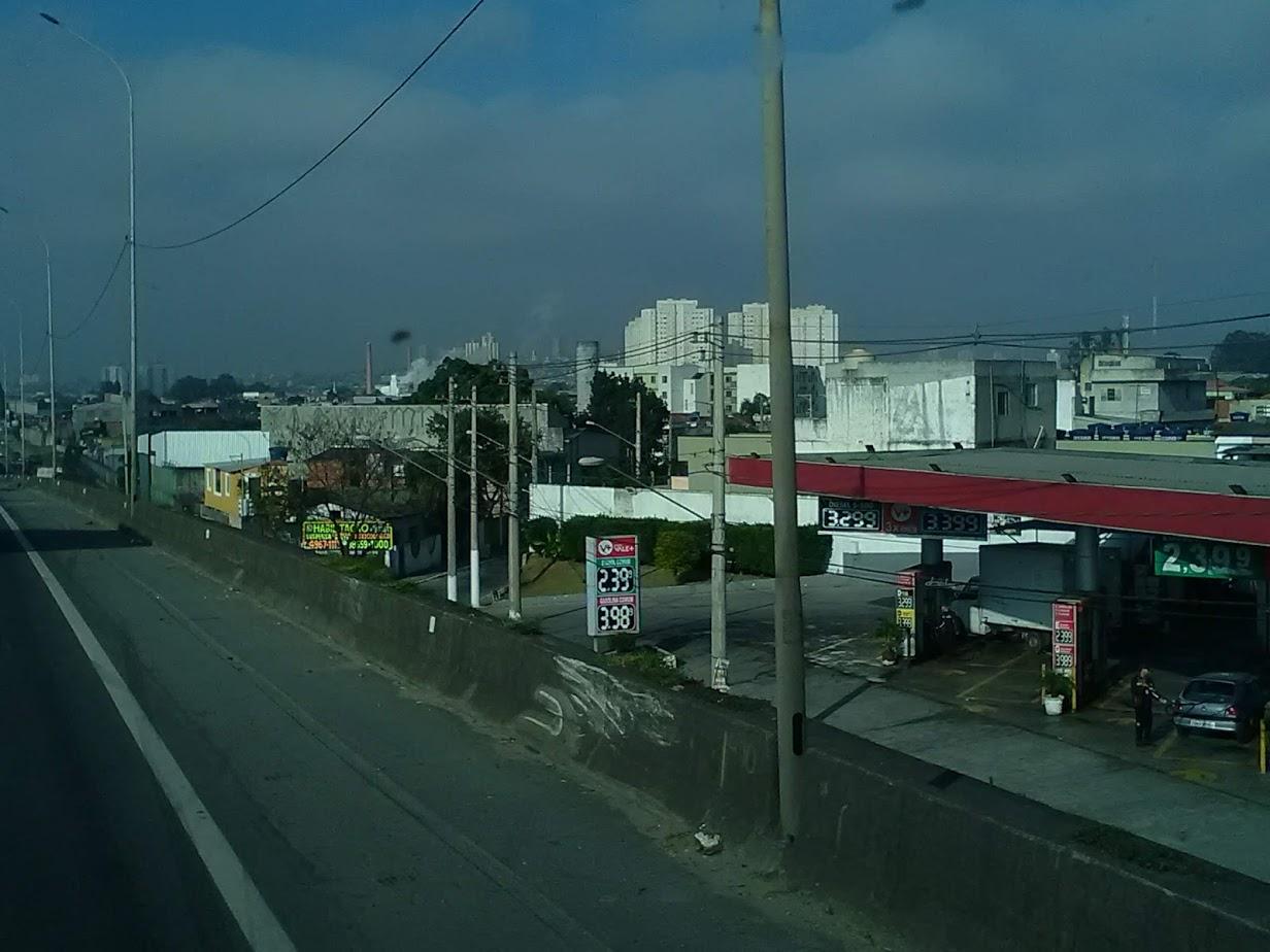 10-6-2019-Sao-Paulo-door-de-stad-op-weg-naar-Santos-13