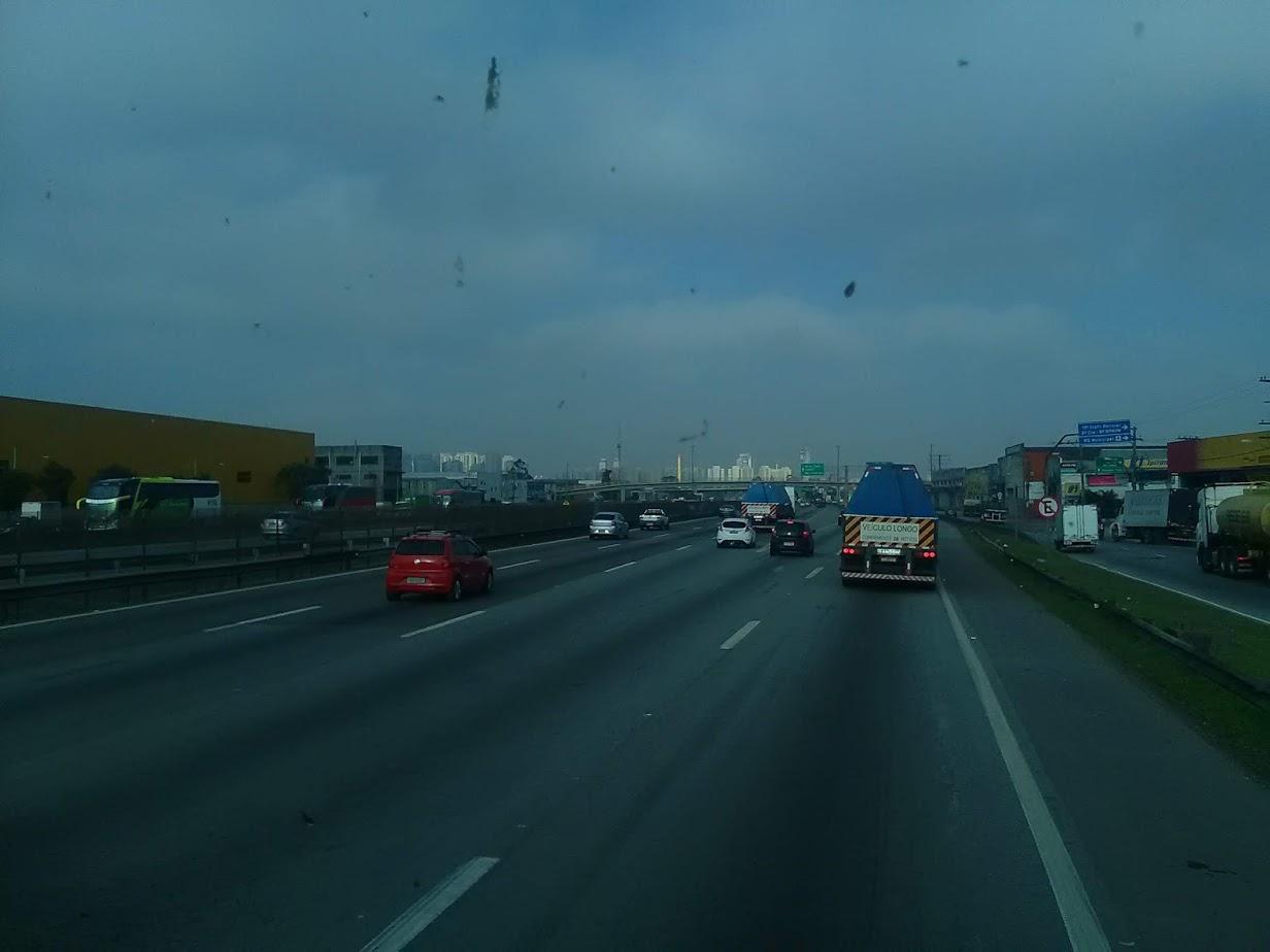 10-6-2019-Sao-Paulo-door-de-stad-op-weg-naar-Santos-19