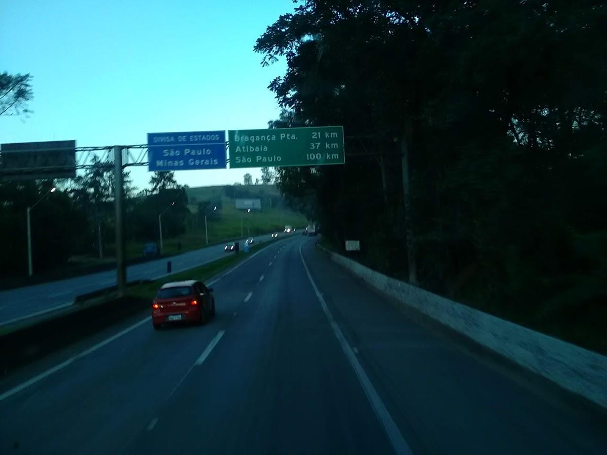 10-6-2019-Sao-Paulo-door-de-stad-op-weg-naar-Santos-2