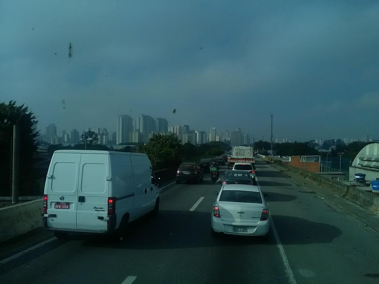 10-6-2019-Sao-Paulo-door-de-stad-op-weg-naar-Santos-29