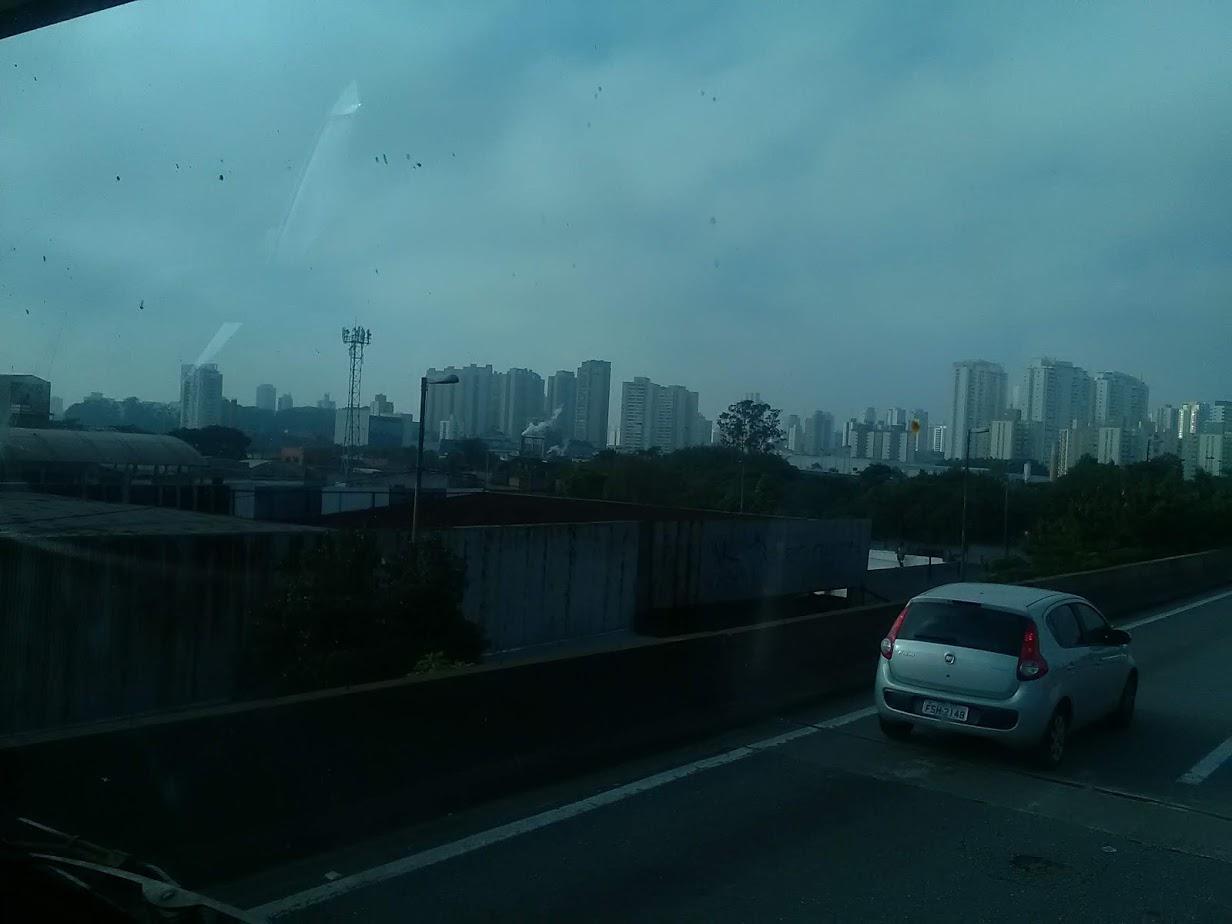 10-6-2019-Sao-Paulo-door-de-stad-op-weg-naar-Santos-32