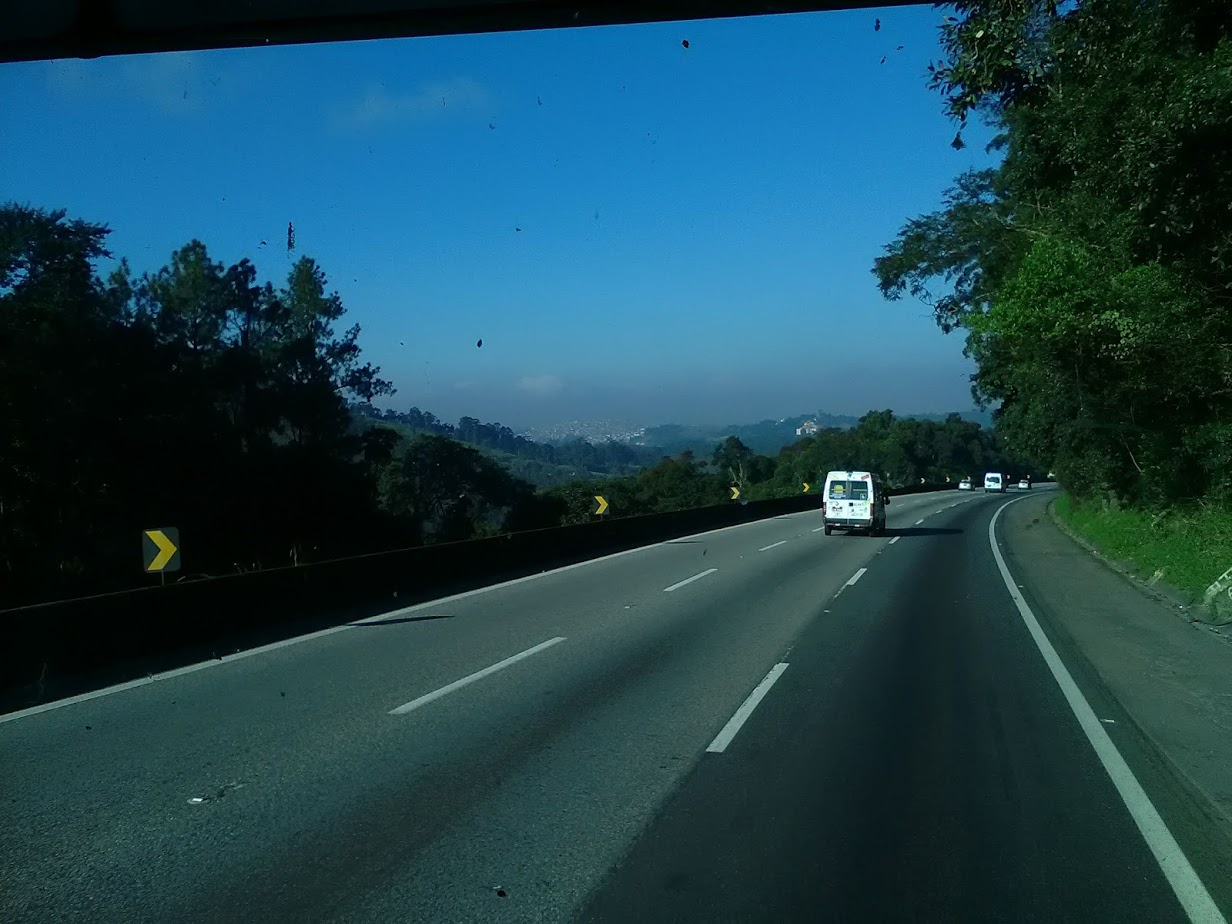 10-6-2019-Sao-Paulo-door-de-stad-op-weg-naar-Santos-7