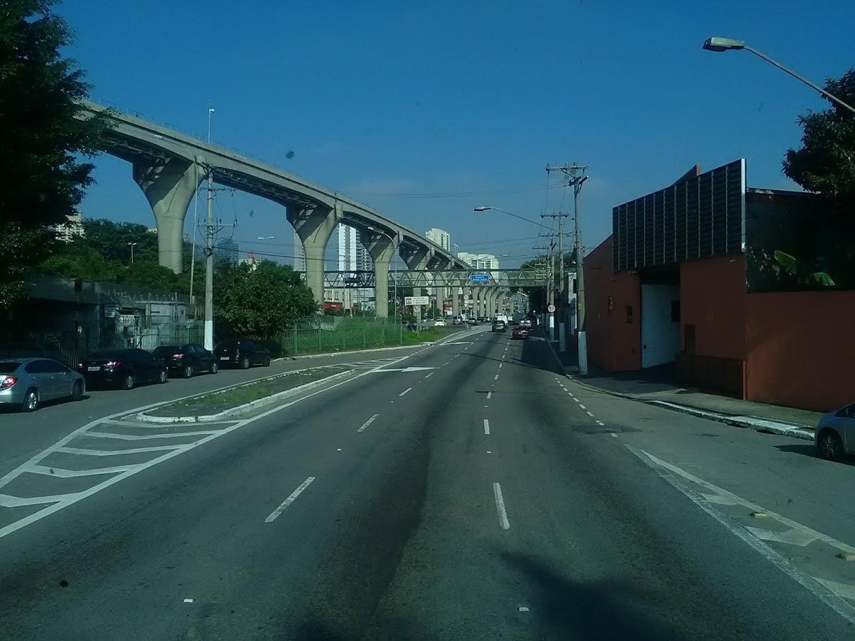 10-6-2019-Sao-Paulo-door-de-stad-op-weg-naar-Santos-46
