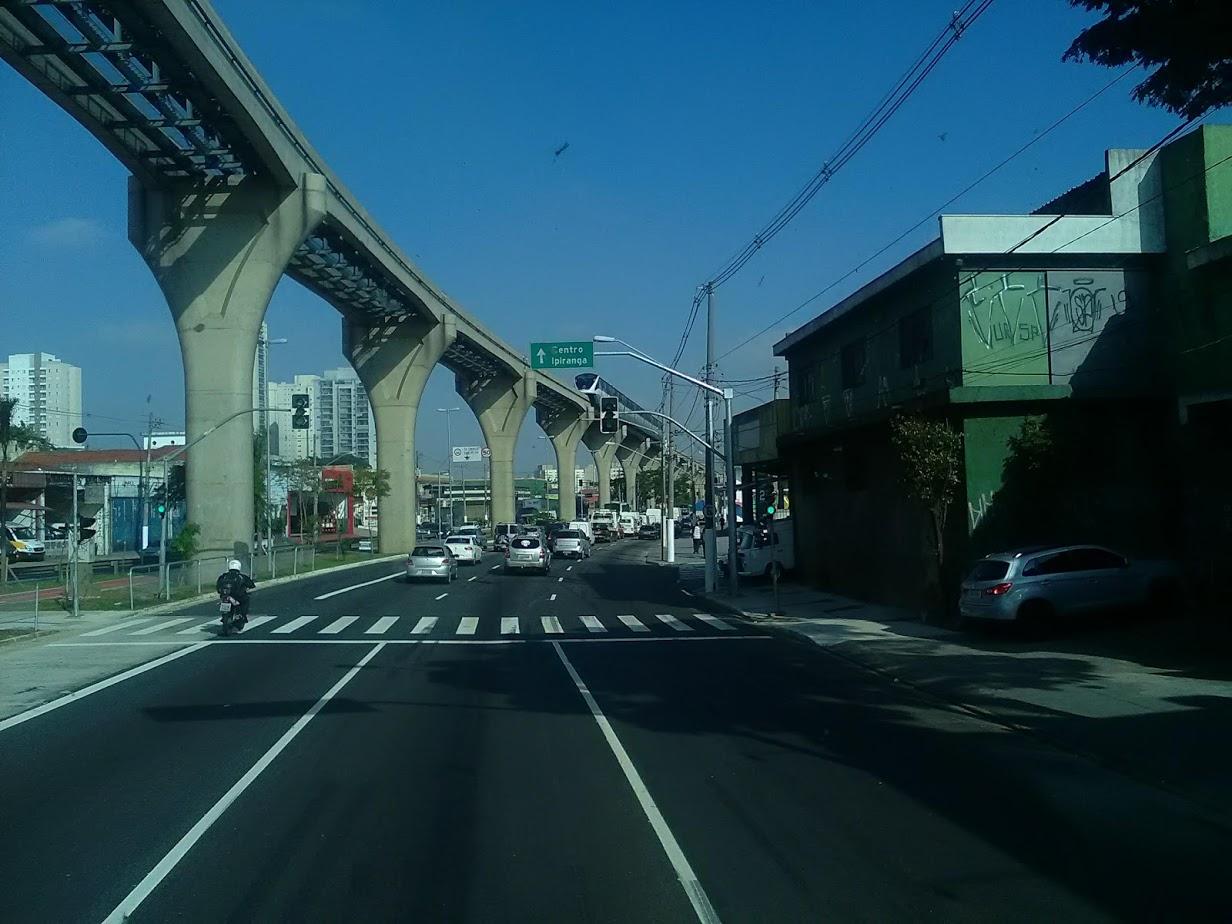 10-6-2019-Sao-Paulo-door-de-stad-op-weg-naar-Santos-47