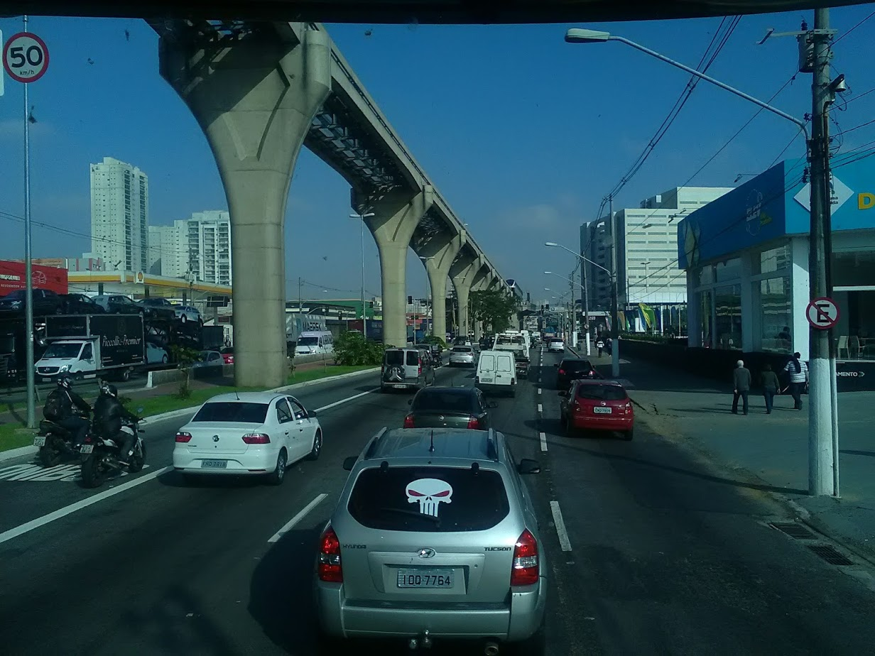 10-6-2019-Sao-Paulo-door-de-stad-op-weg-naar-Santos-48