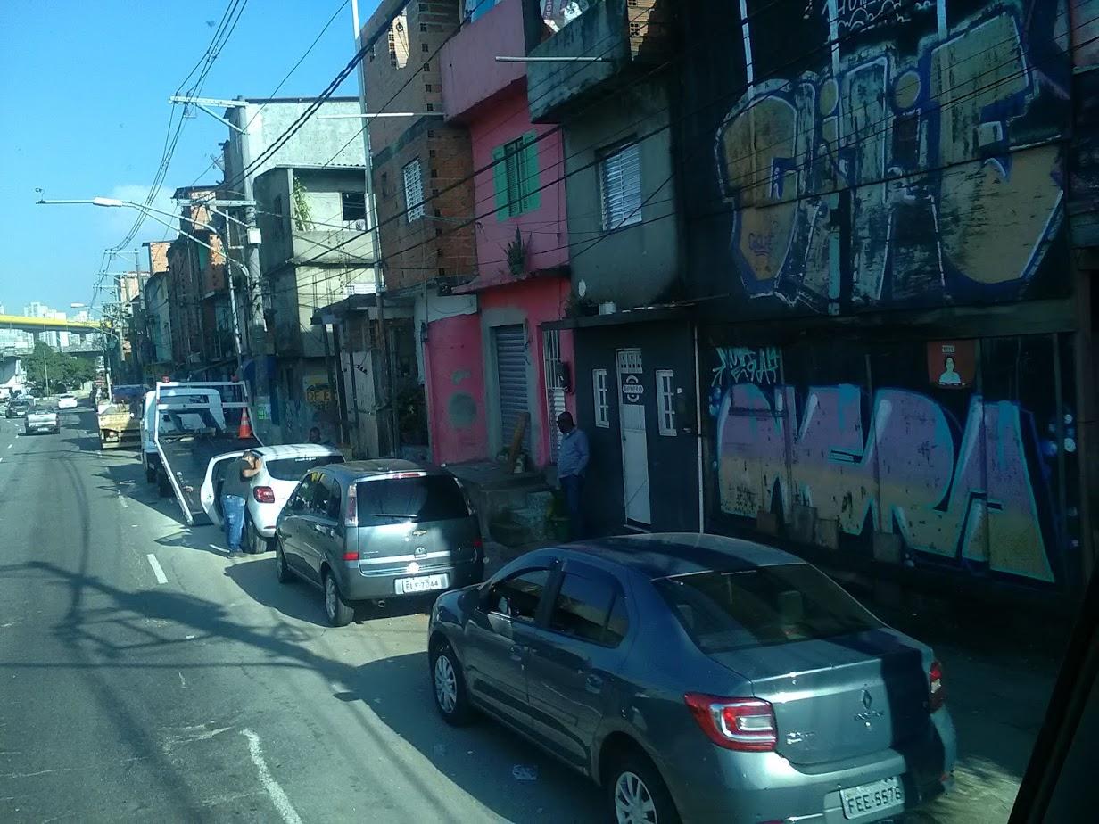 10-6-2019-Sao-Paulo-door-de-stad-op-weg-naar-Santos-52
