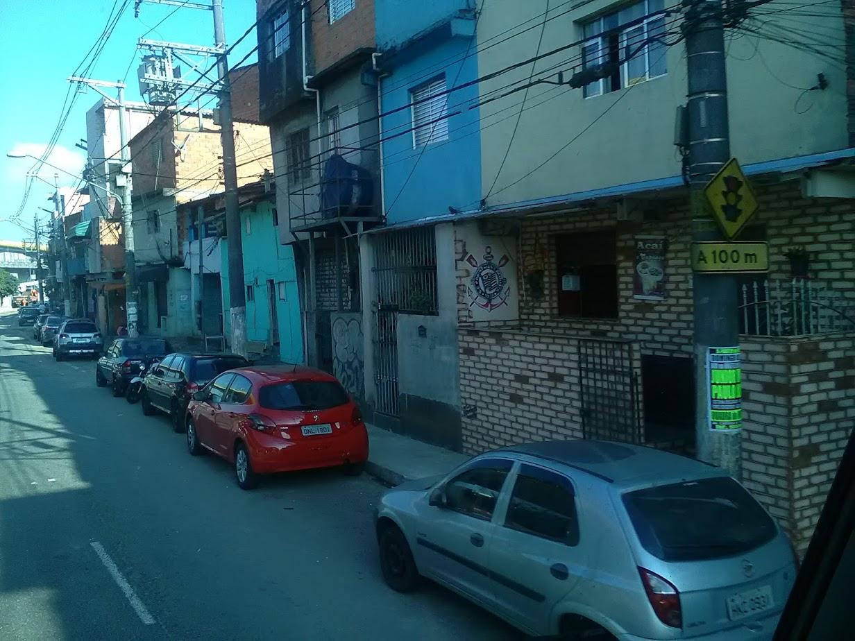 10-6-2019-Sao-Paulo-door-de-stad-op-weg-naar-Santos-53