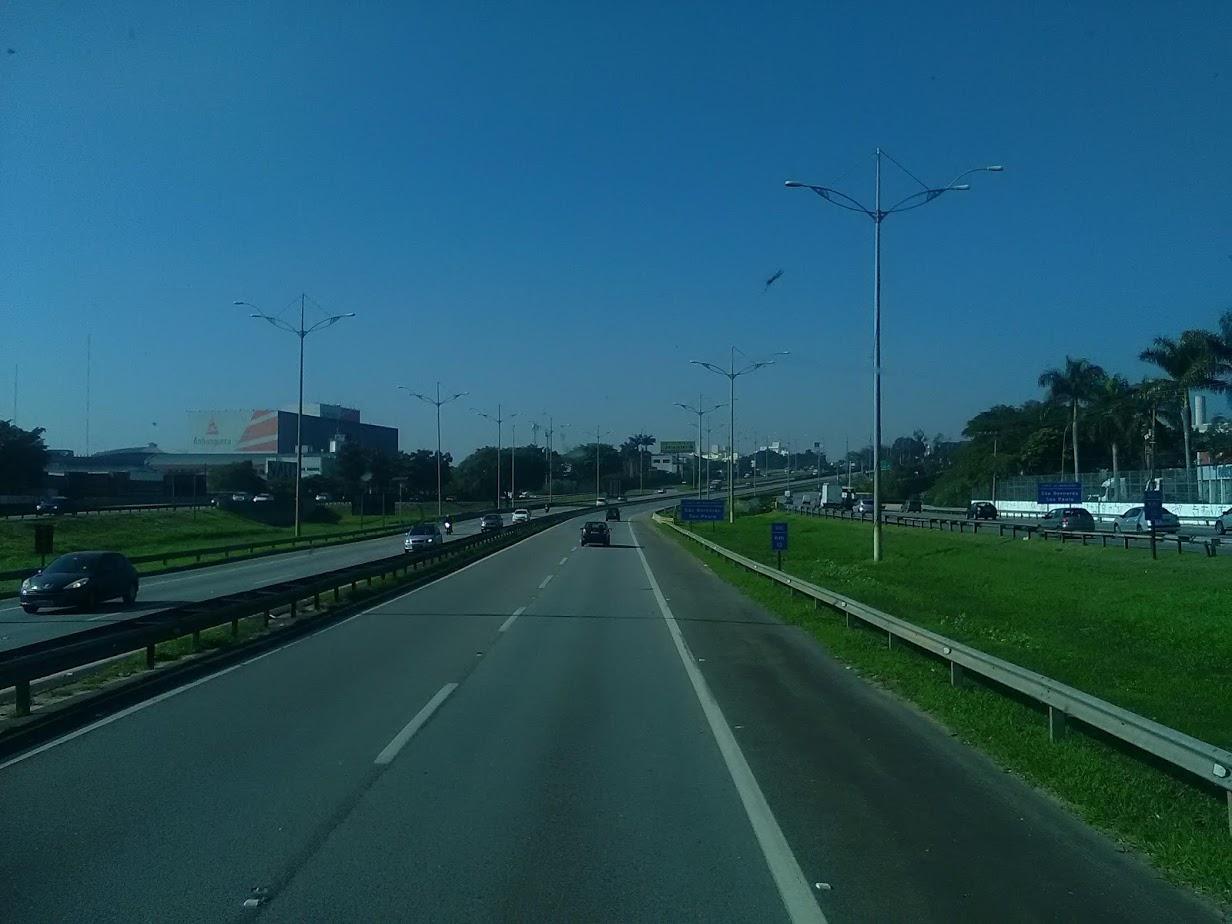 10-6-2019-Sao-Paulos-op-weg-naar-de-haven-plaats-Santos-5