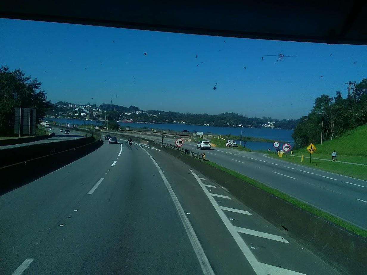 10-6-2019-Sao-Paulos-op-weg-naar-de-haven-plaats-Santos-9