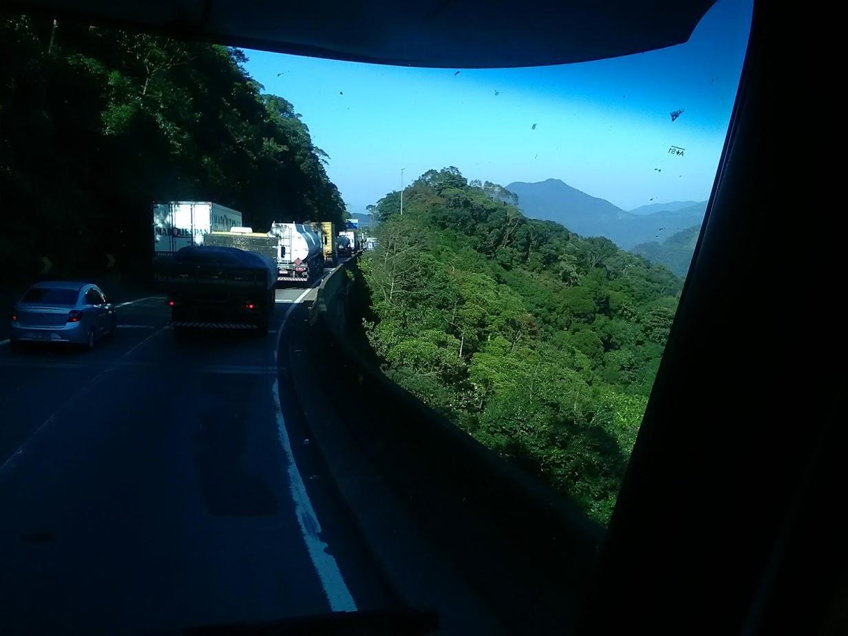 10-6-2019-Sao-Paulos-op-weg-naar-de-haven-plaats-Santos-16