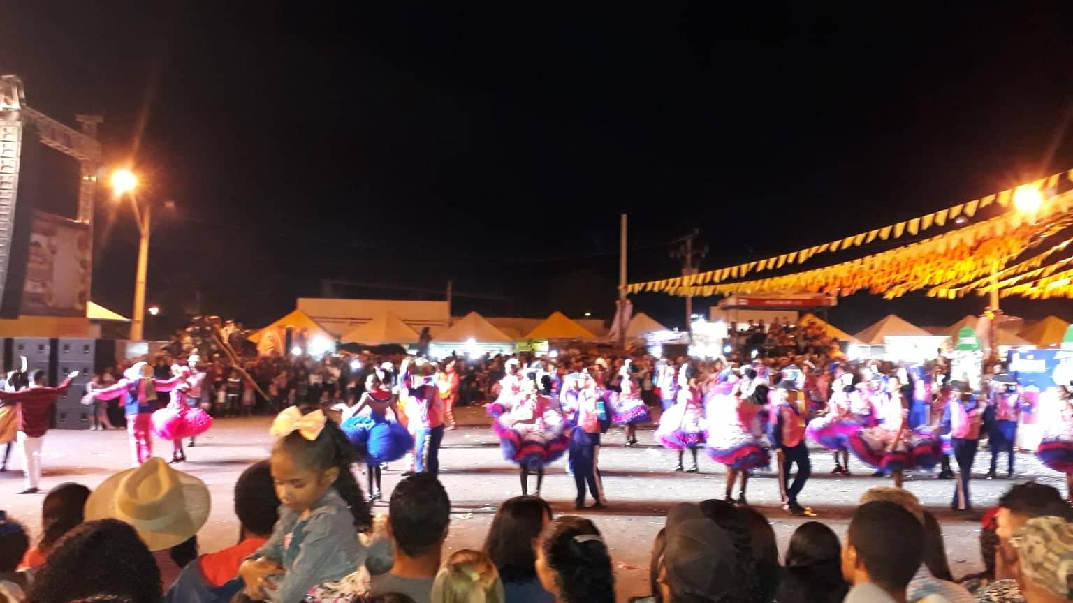 17-6-2019-feest-in-Luis-Eduardo-Maghaeles