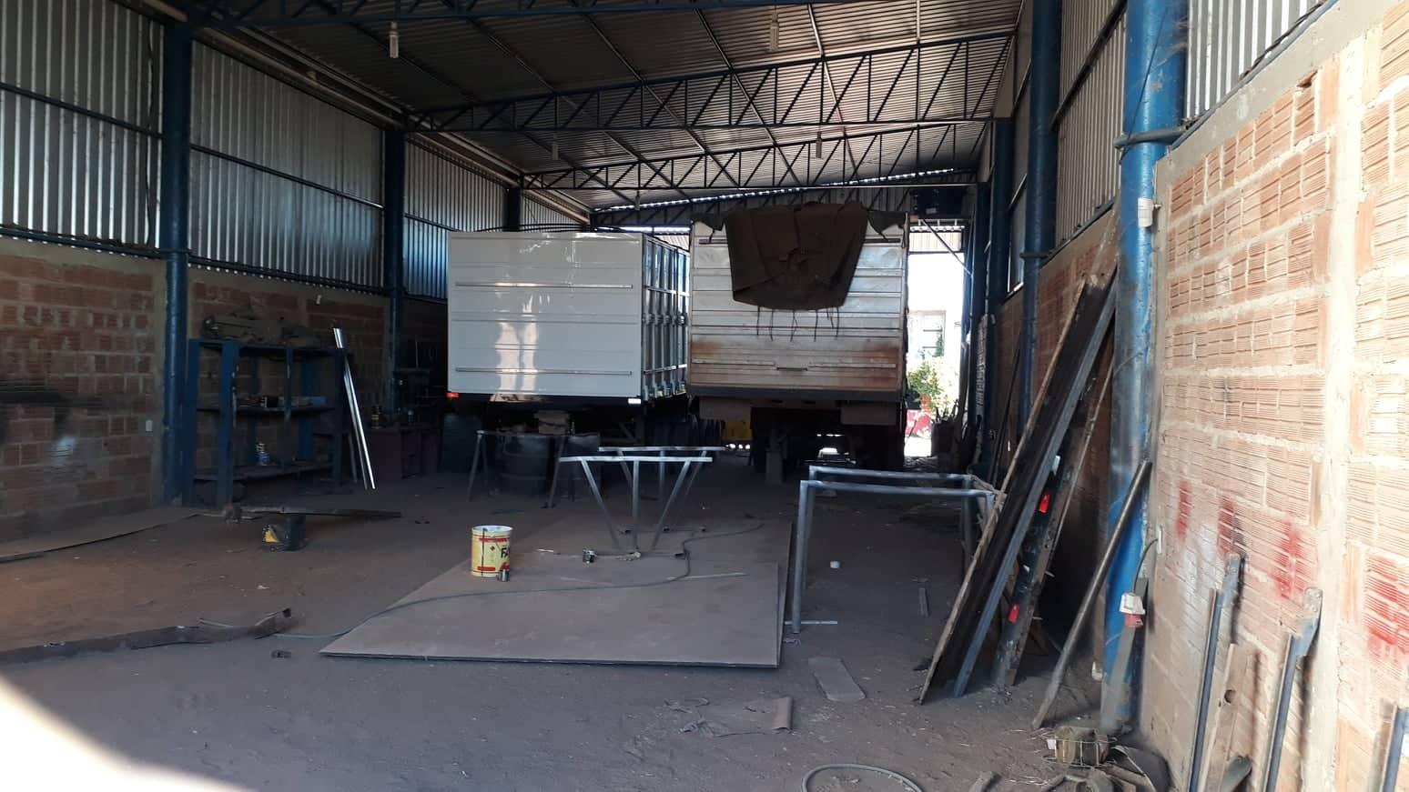 19-6-2019-carrosserie-werkplaats-alles-open-en-bloot-met-een-geweldige-nieuwe-richtbank--2
