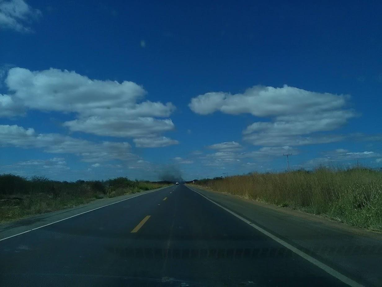 20-6-2019--Forteleza-Seabra-met-de-huur-wagen-485-km-over-de-BR-242-waar-gemiddeld-3800-per-dag-over-gaan-7