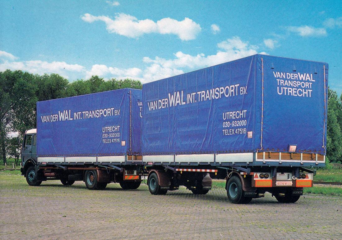 Mercedes-met-Groenewegen-containerwagen