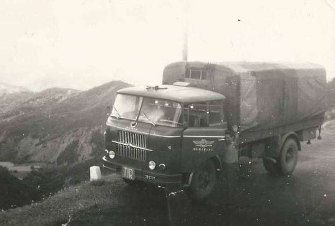 Skoda-Alabanie-1966-chauffeur-Ferenc-Montodtori--3