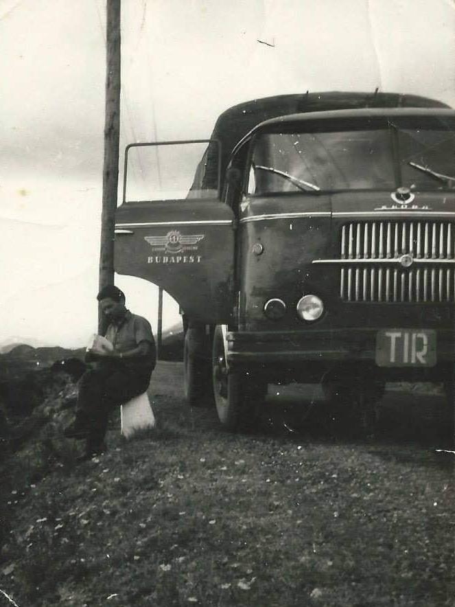 Skoda-Alabanie-1966-chauffeur-Ferenc-Montodtori--4