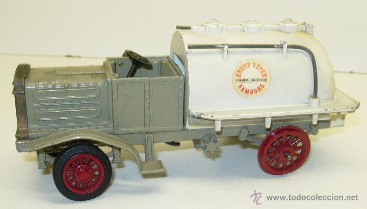 0-Henschel-1943