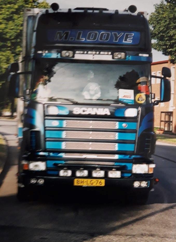 Scania-Looye-charter-2