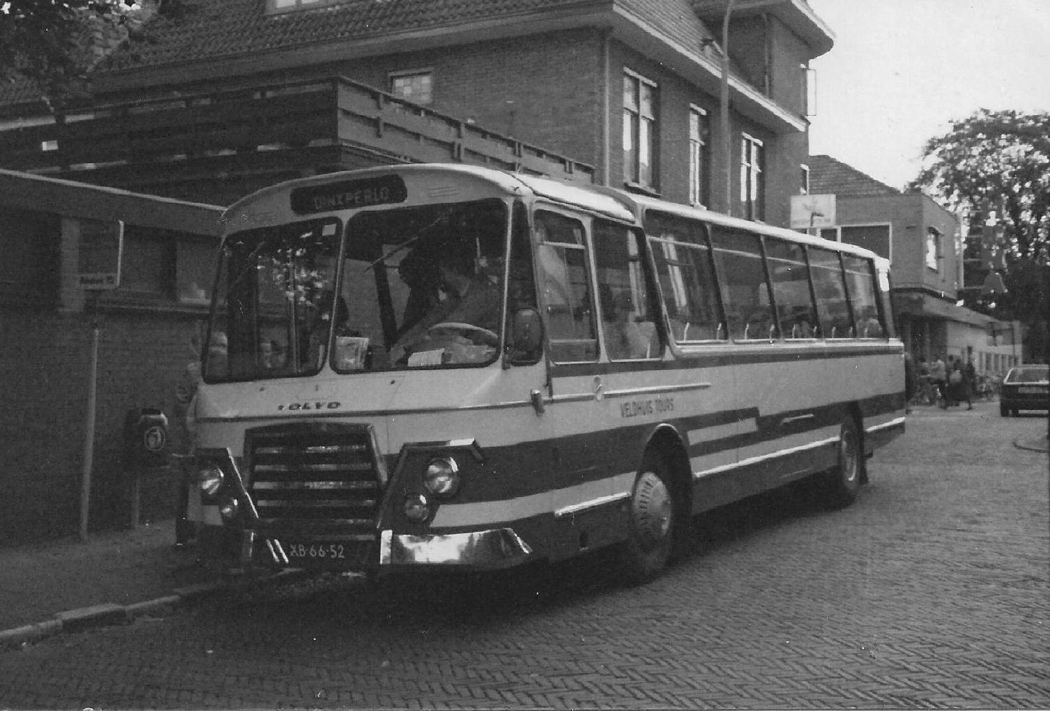 Bus-nr-19-begin-jaren-80-bij-Halte-Hema-Winterswijk-Toen-reed-er-nog-een-bus-door-het-centrum