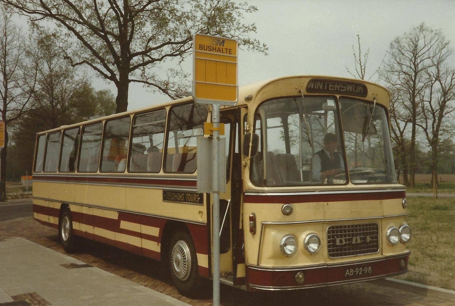 Bus-nr-21-bij-het-SKB-Winterswijk-1985