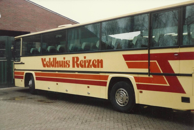 Bus-nr-36-bij-de-garage-aan-de-Nassaustraat