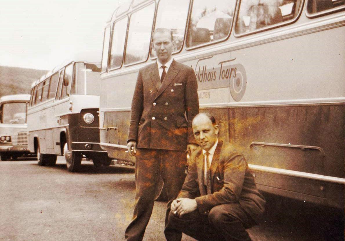 bus-nr-14-en-16--Duitsland-jaren--60-rechts-Herman-Kuit