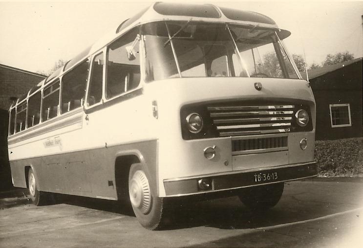 bus-nr-15-1959-carr.-Koning-48-zitplaatsen-tot-1976