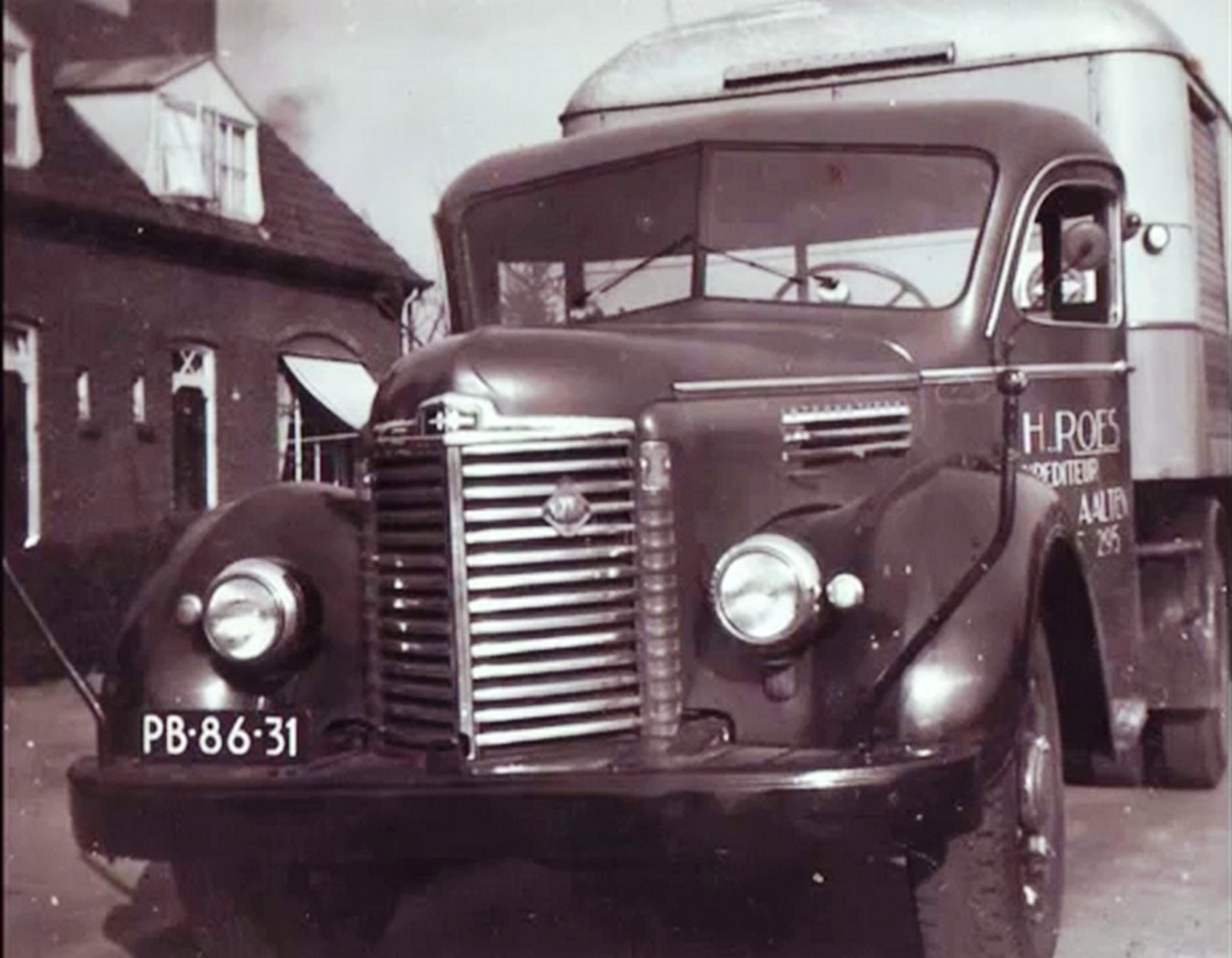 International-van-H-Roes-Transport-Aalten