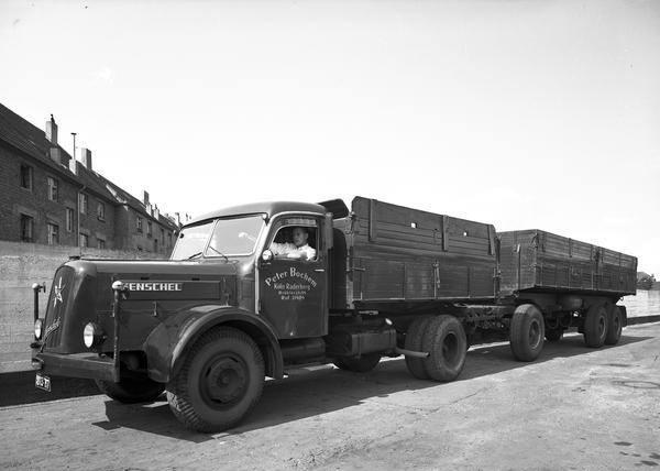 Koln-Raderberg-Peter-Bochem-Henschel-HS-140--1955