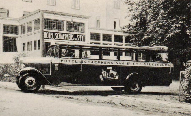 carrosserie-van-Well-en-Goerke-Heerlen-cabrio-bus