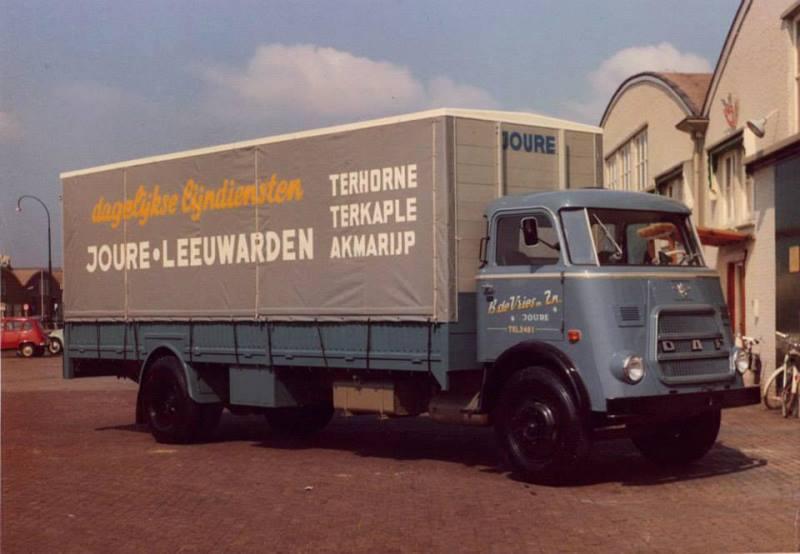 1967-huif-opbouw-Daf-A1600-van-B-de-Vries-Zn--uit-Joure--Klaes-Fritsma-archief