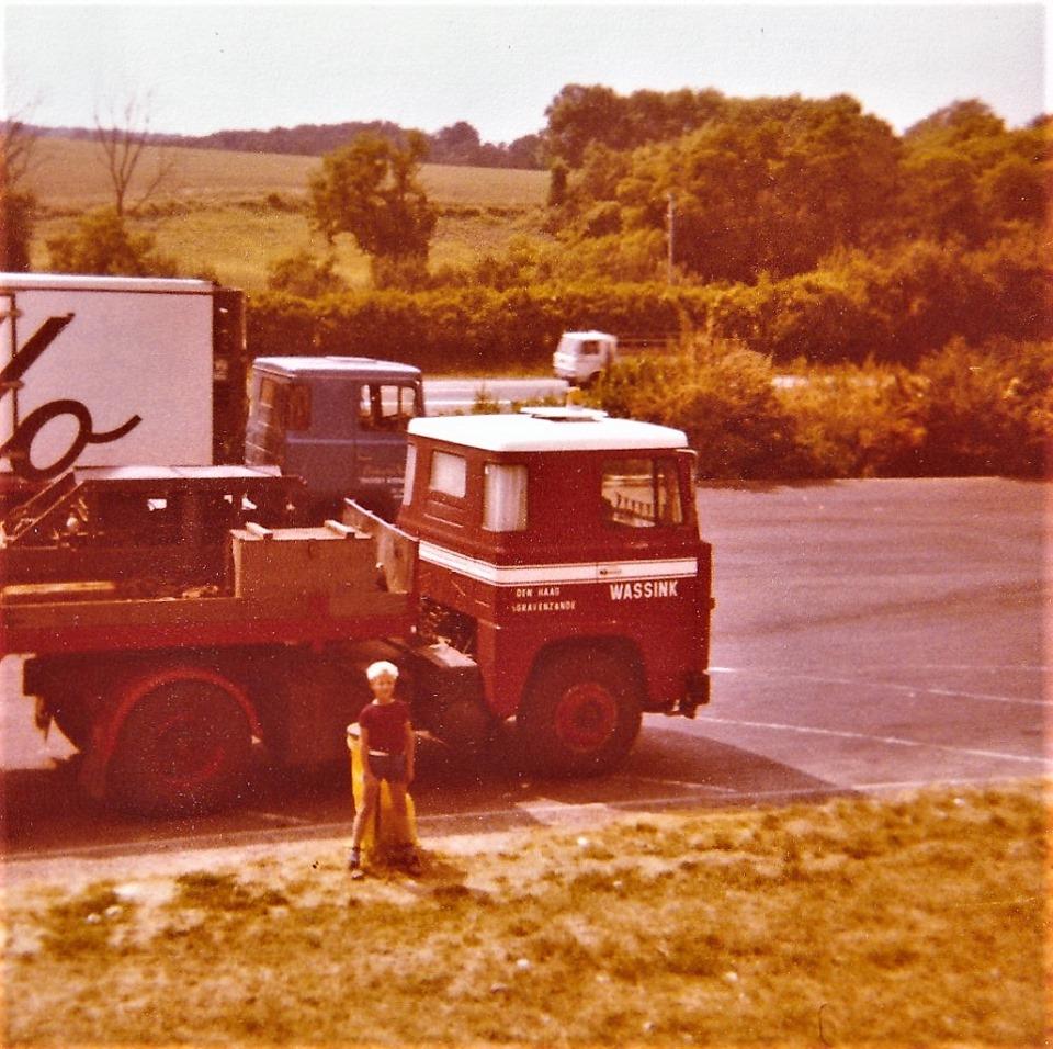 Mijn-laatste-trip-naar-Frankrijk-in-de-buurt-van-Amboise-aan-de-Loire-met-mijn-gezin-voordat-we-naar-Australia-emigreerde-autoroute-du-Nord-1979-1