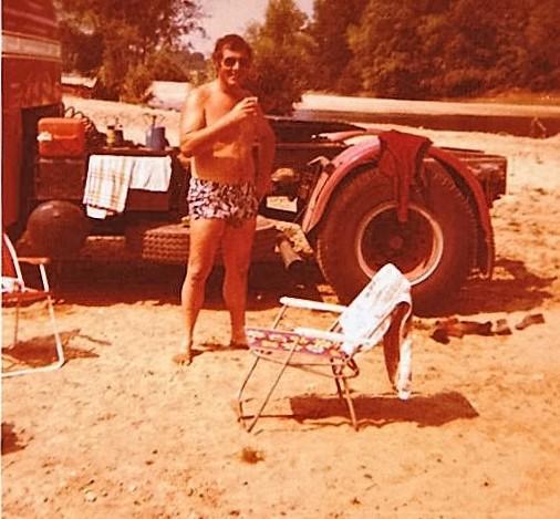 Mijn-laatste-trip-naar-Frankrijk-in-de-buurt-van-Amboise-aan-de-Loire-met-mijn-gezin-voordat-we-naar-Australia-emigreerde-autoroute-du-Nord-1979-4