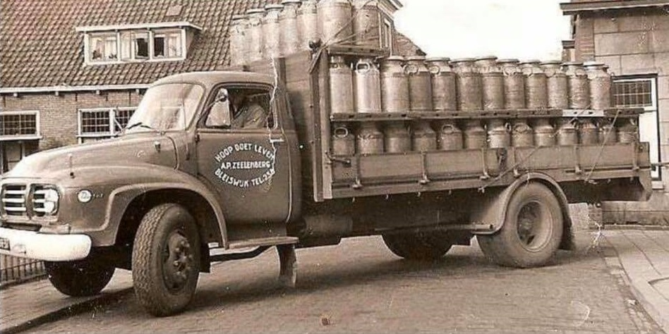 Bedford-melkophaalwagen