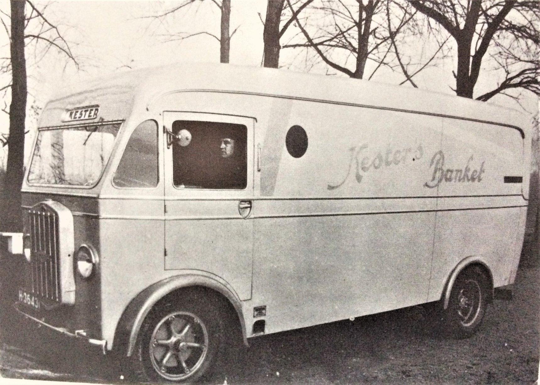 Diamond-T-als-frontstuurtruck-door-De-Graaff-gebouwd-Lolle-Rondaan-archief