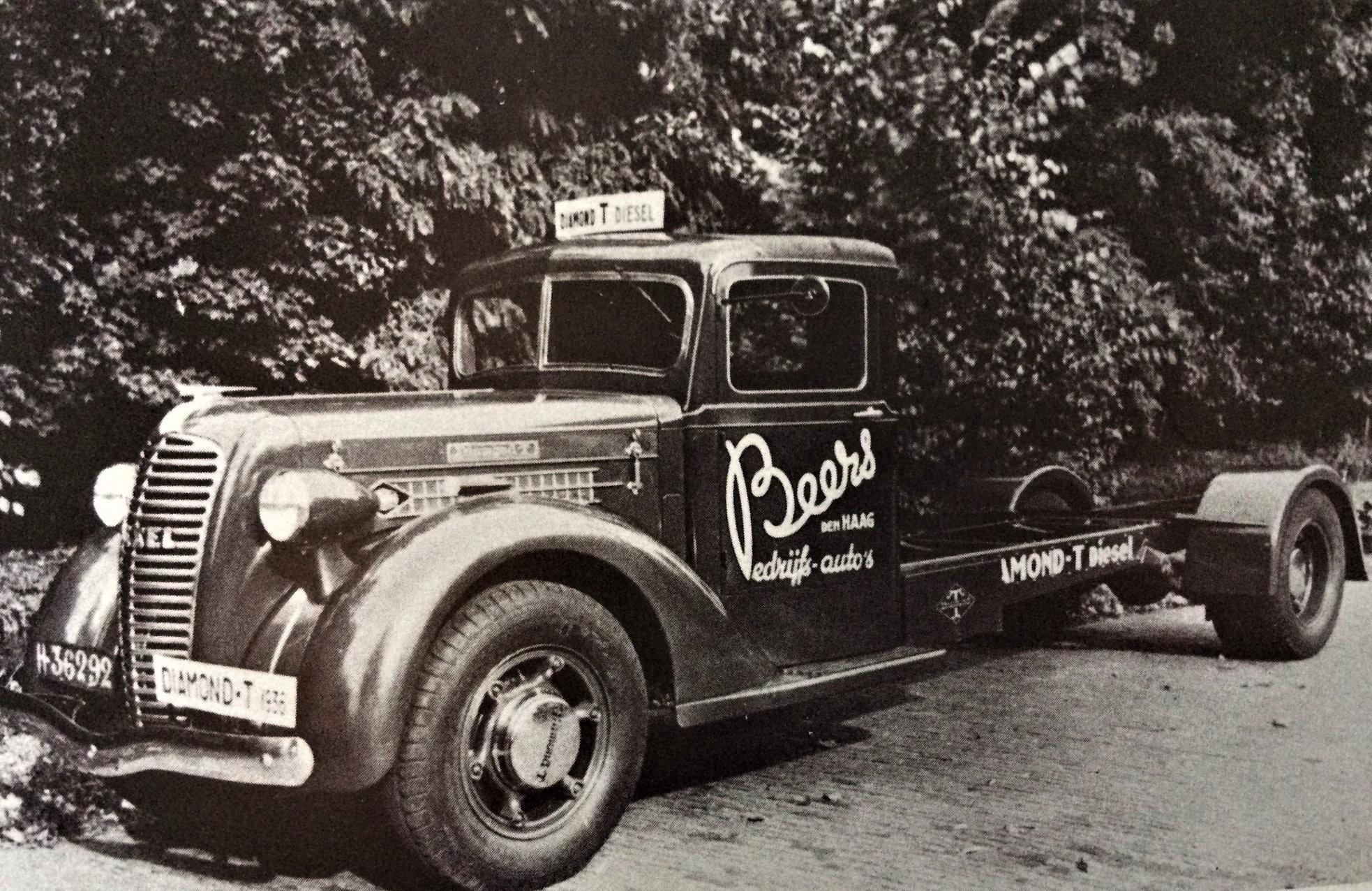 Diamond-T-is-door-Beers-Den-Haag-aangeboden-met-Harcules-Dieselmotor-in--Lollo-Rondaan-archief1936