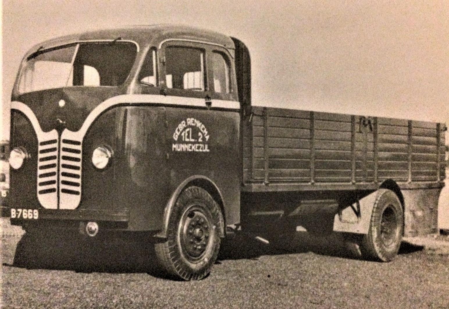 Kromhout-is-tot-Frontstuurtruck-verbouwd-14-1938-Hij-is-van-Gebr--Renkema-uit-Munnekezijl-Lolle-Rondaan-archief