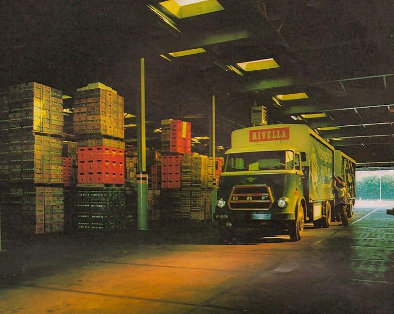 Reed-bij-het-distributiecentrum-van-de-CCF-in-Vianen--Michel-Den-Hartog-archief