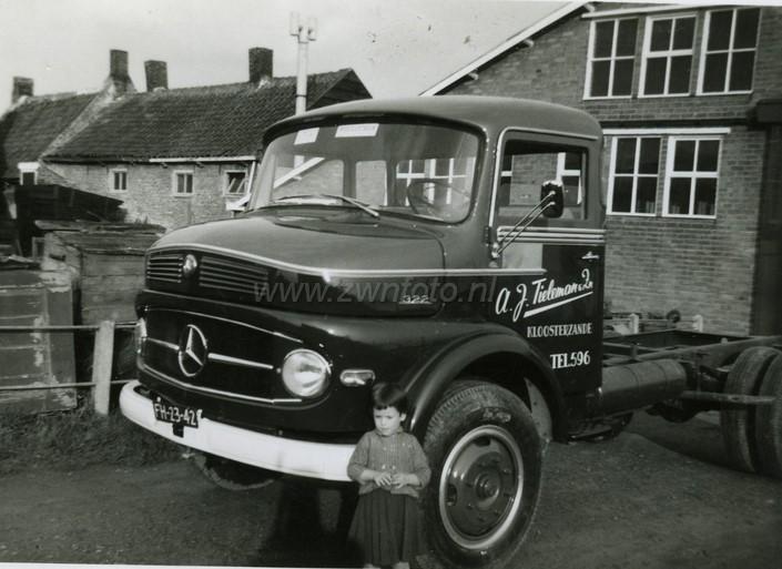 0--Mercedes-LP-2