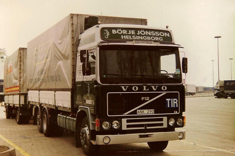 Volvo-F12-6X2-