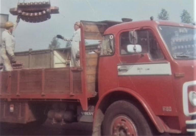 Volvo-Ko-van-Liere---Koper-laden-in-Olen-1966-2