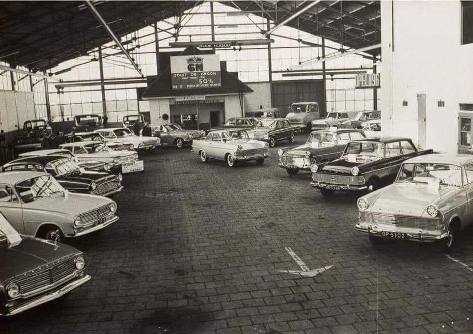 Dealer---Opel-garage-Hendriks-Helmond-2