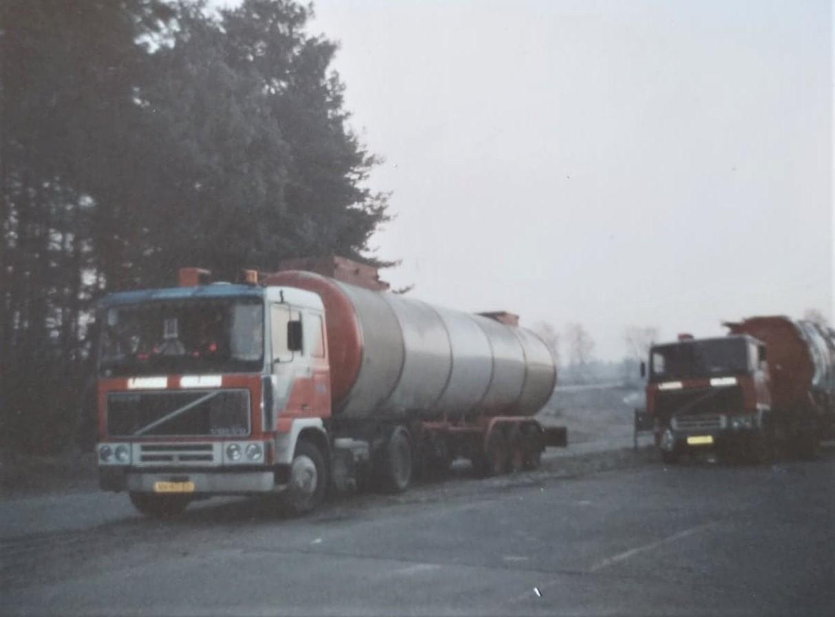 voor-de-tweede-keer-deze-wagen-met-container-Loetje-is-die-met-Edurardo-gaan-ophalen--3