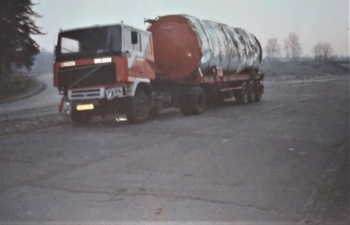voor-de-tweede-keer-deze-wagen-met-container-Loetje-is-die-met-Edurardo-gaan-ophalen--4