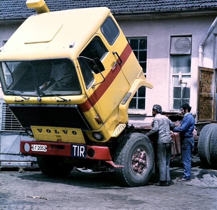 F89-van-Somat